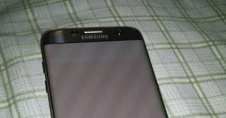 Cara Mengatasi Layar Samsung S7 Edge Bergaris Zebra