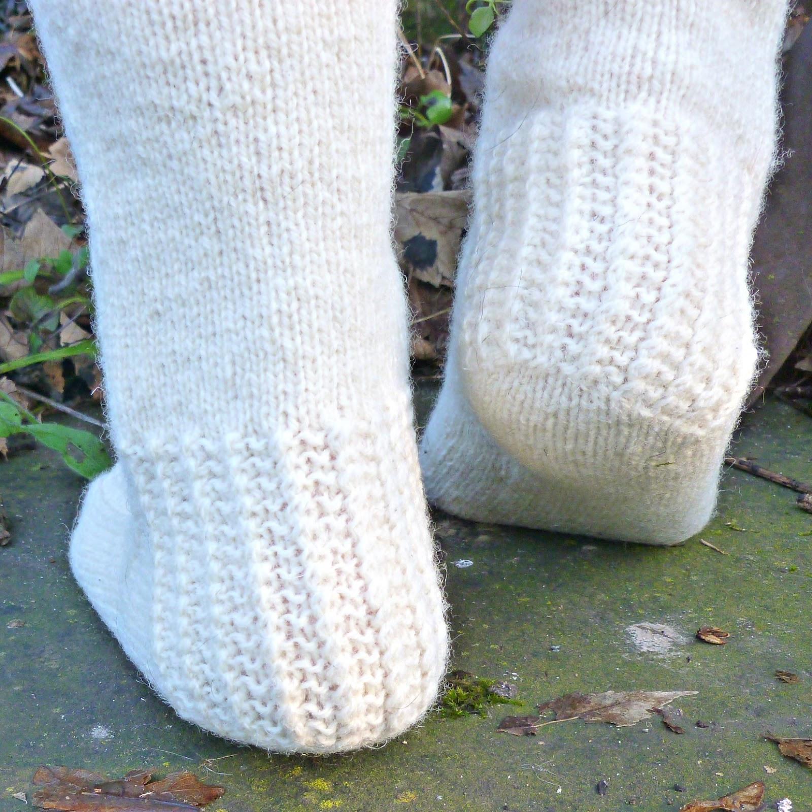 Winwick Mum Easy Cable Socks Tutorial Getting Started