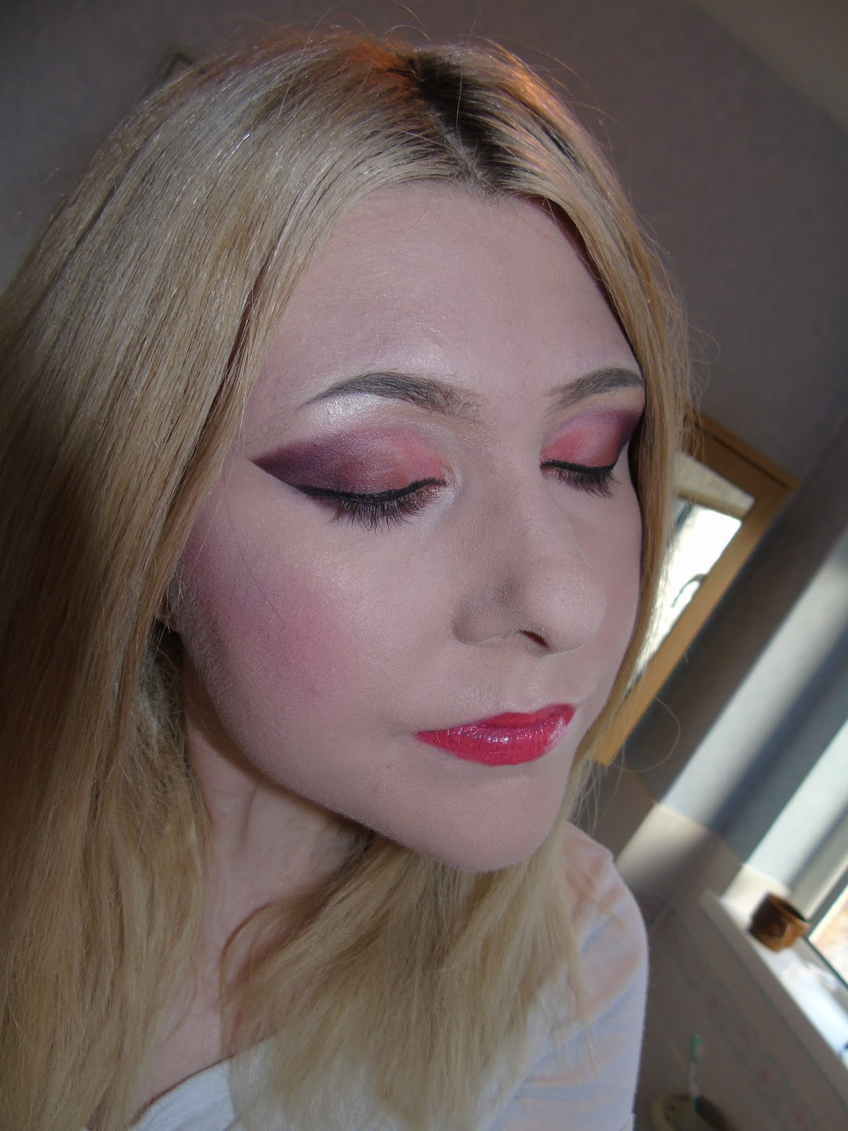 Makeup Junkie All About Mac Brushes Foundation: The Makeup Junkie's Diary: Too Faced Sweet Peach Palette
