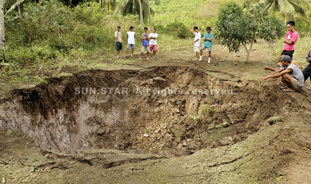 sinkholes in cebu Sinkholes in cebu essay  sink hole 03-03-2013 i have to say that hearing on the news about a man being swallowed by a sinkhole in florida, while sleeping in his.
