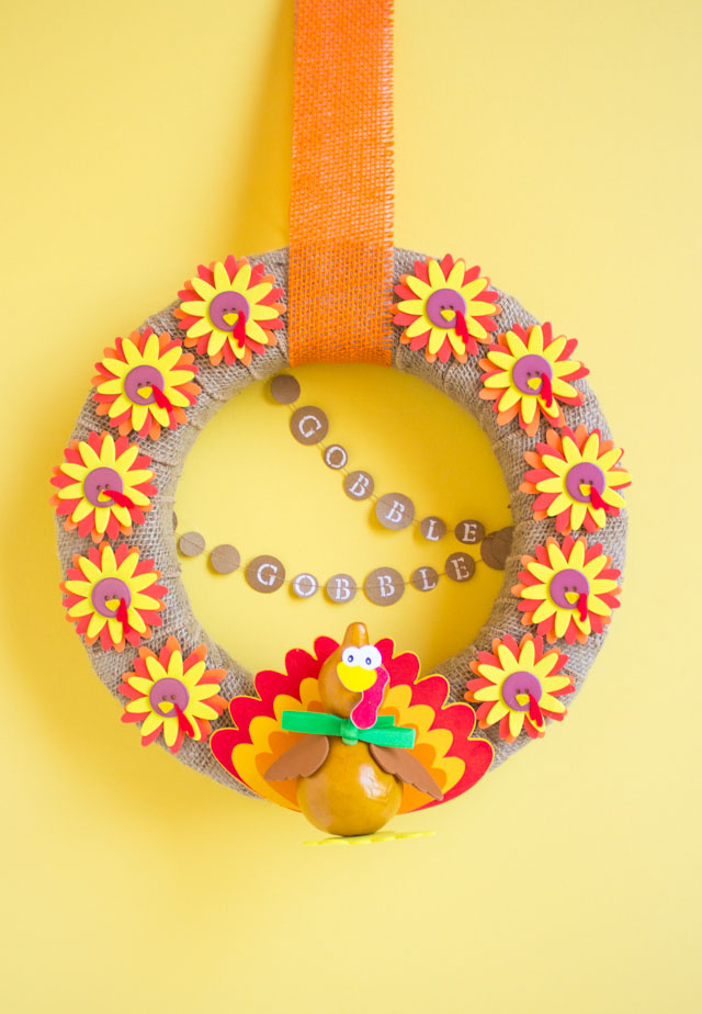Make a fun turkey wreath for Thanksgiving! Gobble gobble!