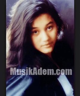 Download Lagu Nike Ardilla Full Album Mp3