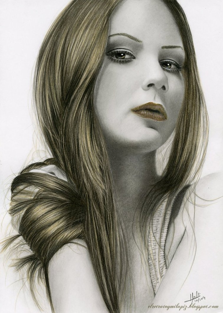 08-Gold-Reflection-Isabel-Morelli-iSaBeL-MR-Pencil-Black-Pastel-and-Charcoal-Portrait-Drawings-www-designstack-co