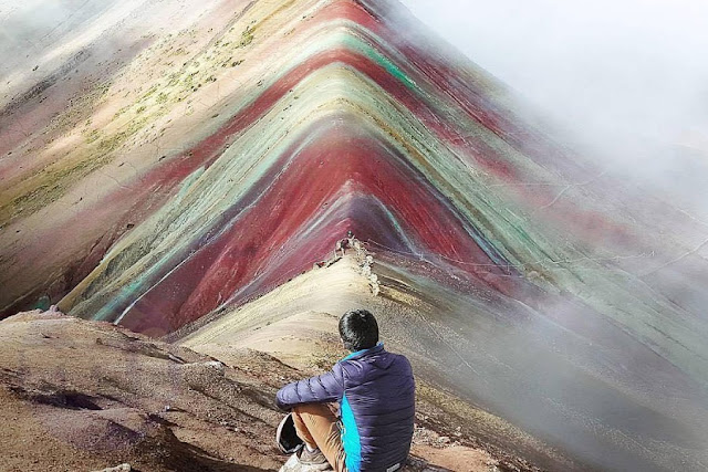 Cerro Vinicunca entre neblinas