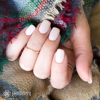#LatteJN with Silk Screen wrap accent nail TruShine Gel at home gel system by Noel Giger, Jamberry Independent Consultant