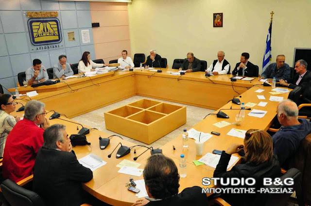 Δημοτικό συμβουλιο στο Ναύπλιο με 17 θέματα στις 27 Ιουνίου