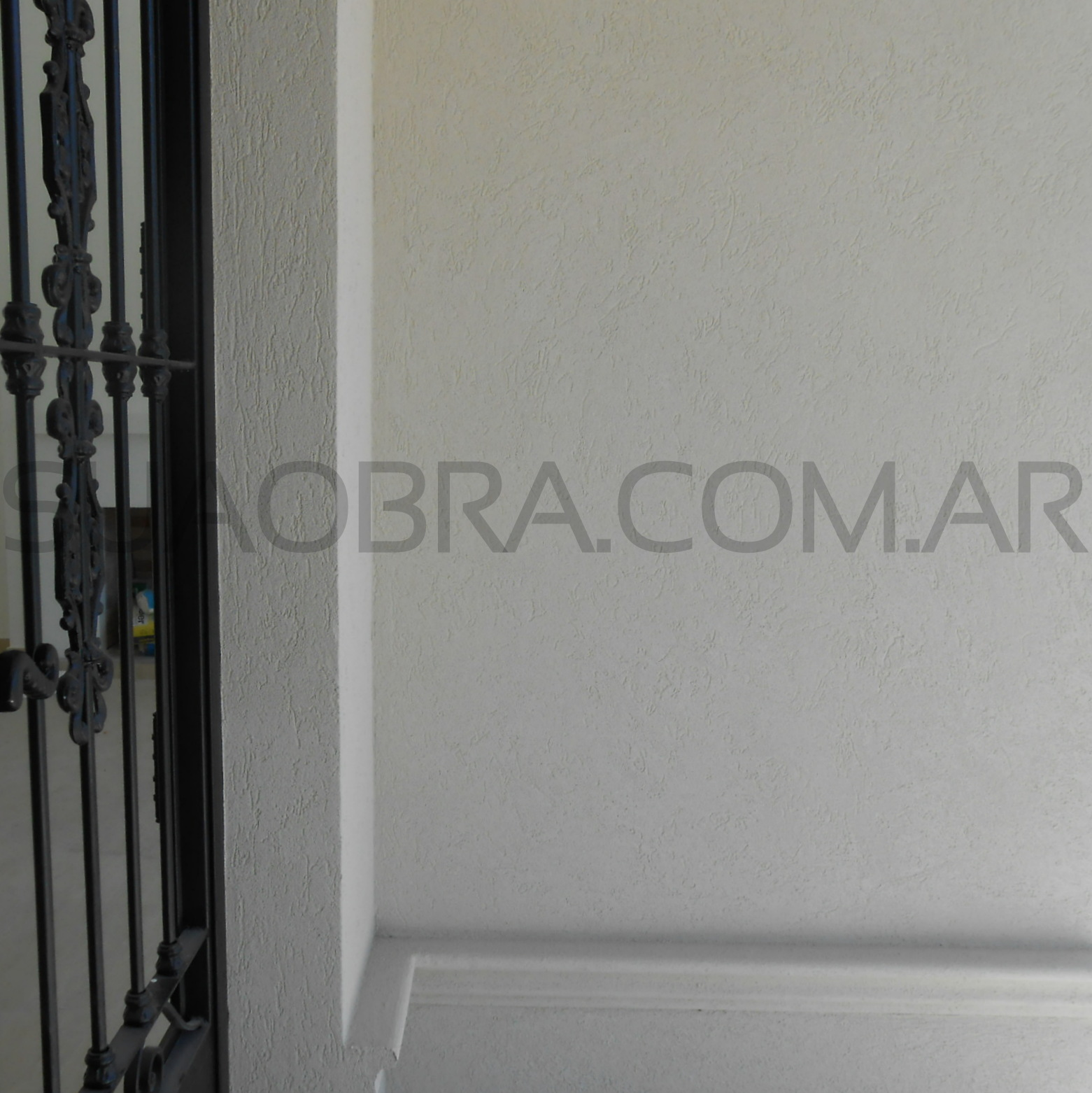 Aplicacion tarquini revestimiento exterior de paredes for Revestimiento plastico para paredes