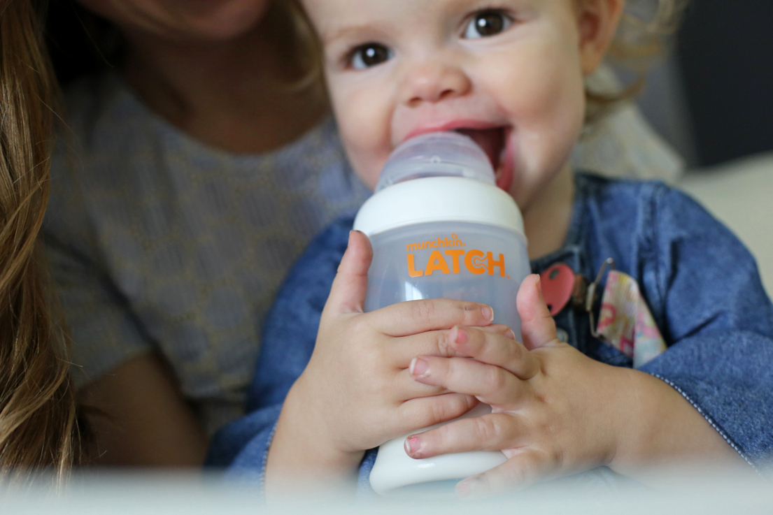 The BEST bottle - so easy to switch back and forth between nursing and bottle feeding