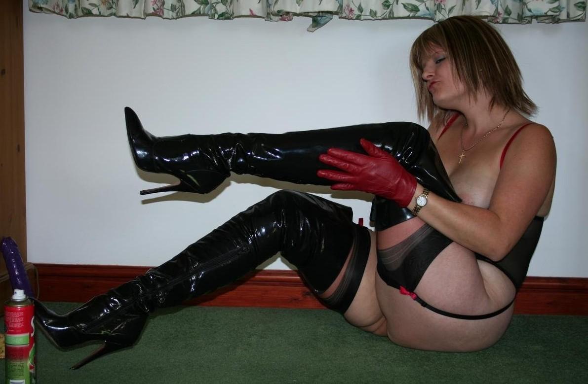 Kinky Mature Boots 47