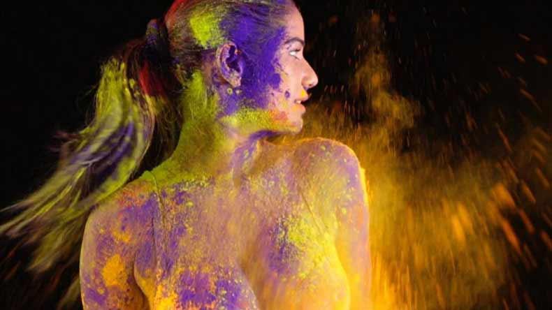 Poonam Pandey Hot Holi Bikini Images