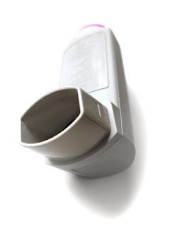 Inhalador de asma y contaminación