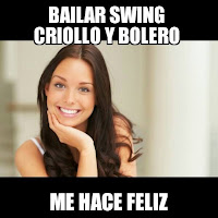mujer sonriente por bailar swing criollo y bolero