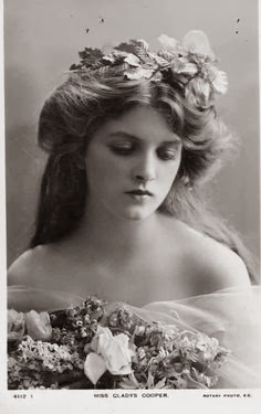 Mss Gladys Cooper