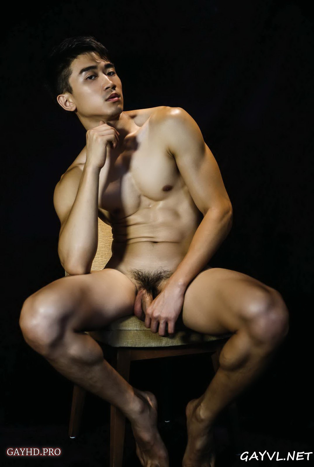 Muscle Asian Hunk