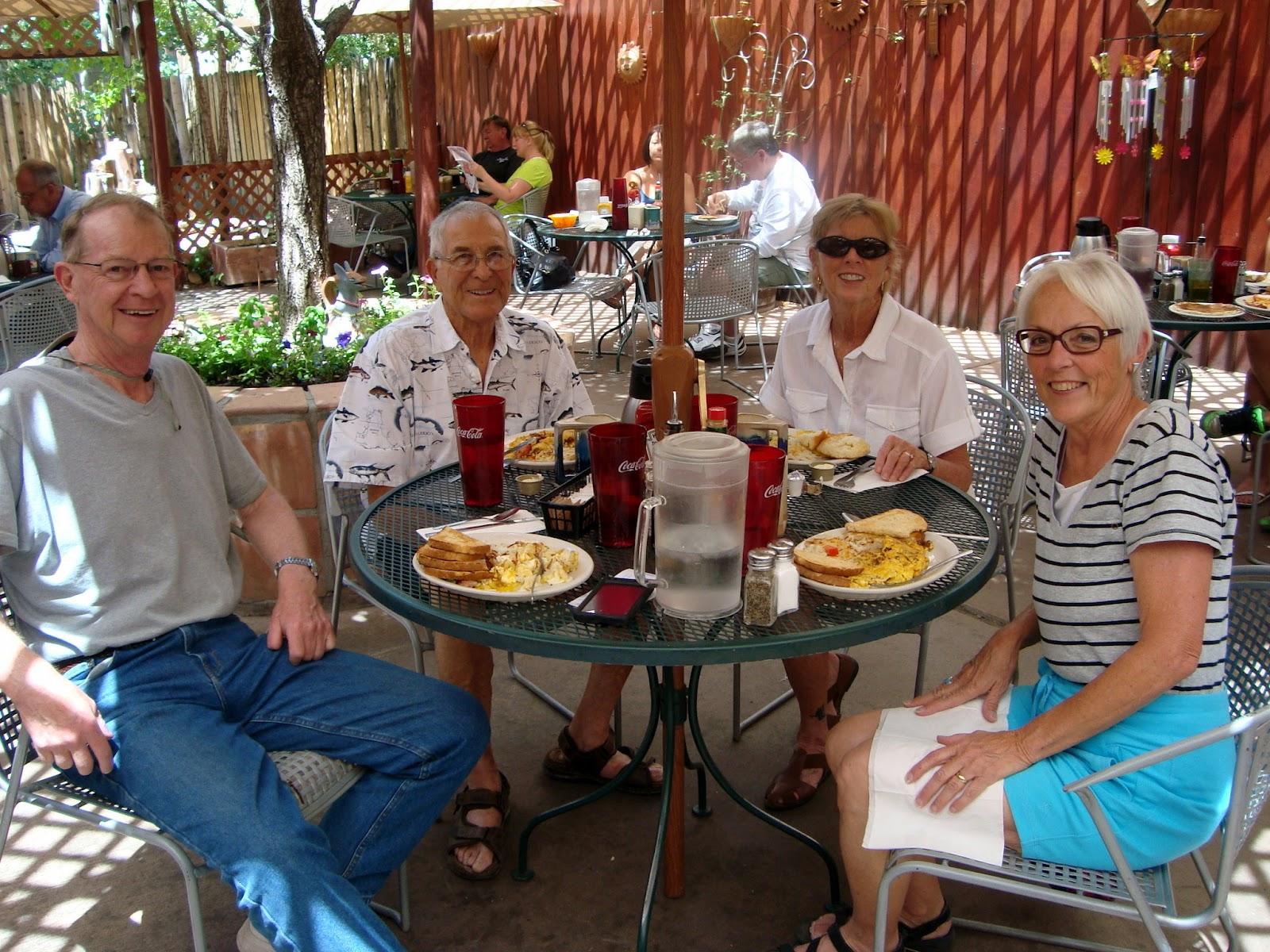 Highway Runner: OMELETTES AT COFFEE POT RESTAURANT, SEDONA, AZ