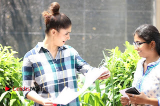 Nayanthara Meets her Fans  Exclusive Pictures