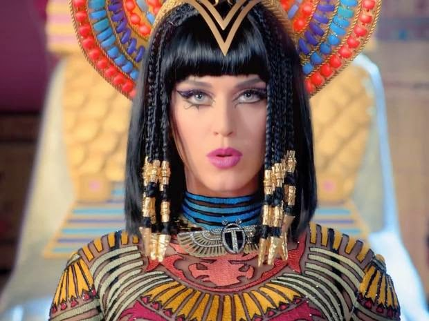Katy Perry Dark Horse Klip Makyajı