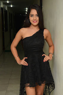 Malvi Malhotra sizzling pics 016.jpg