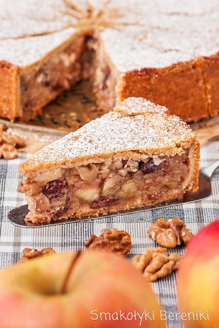 Ciasto z jabłkami i orzechami włoskimi