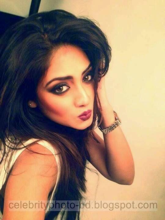 Beautiful Indian Kolkata Actress Nusrat Jahan's Latest Unseen Photos Collection