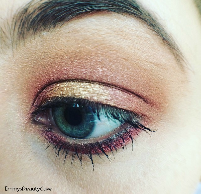 MAC Cranberry Eye Shadow