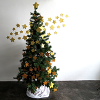 http://www.ohohdeco.com/2014/12/diy-stars-christmas-tree.html