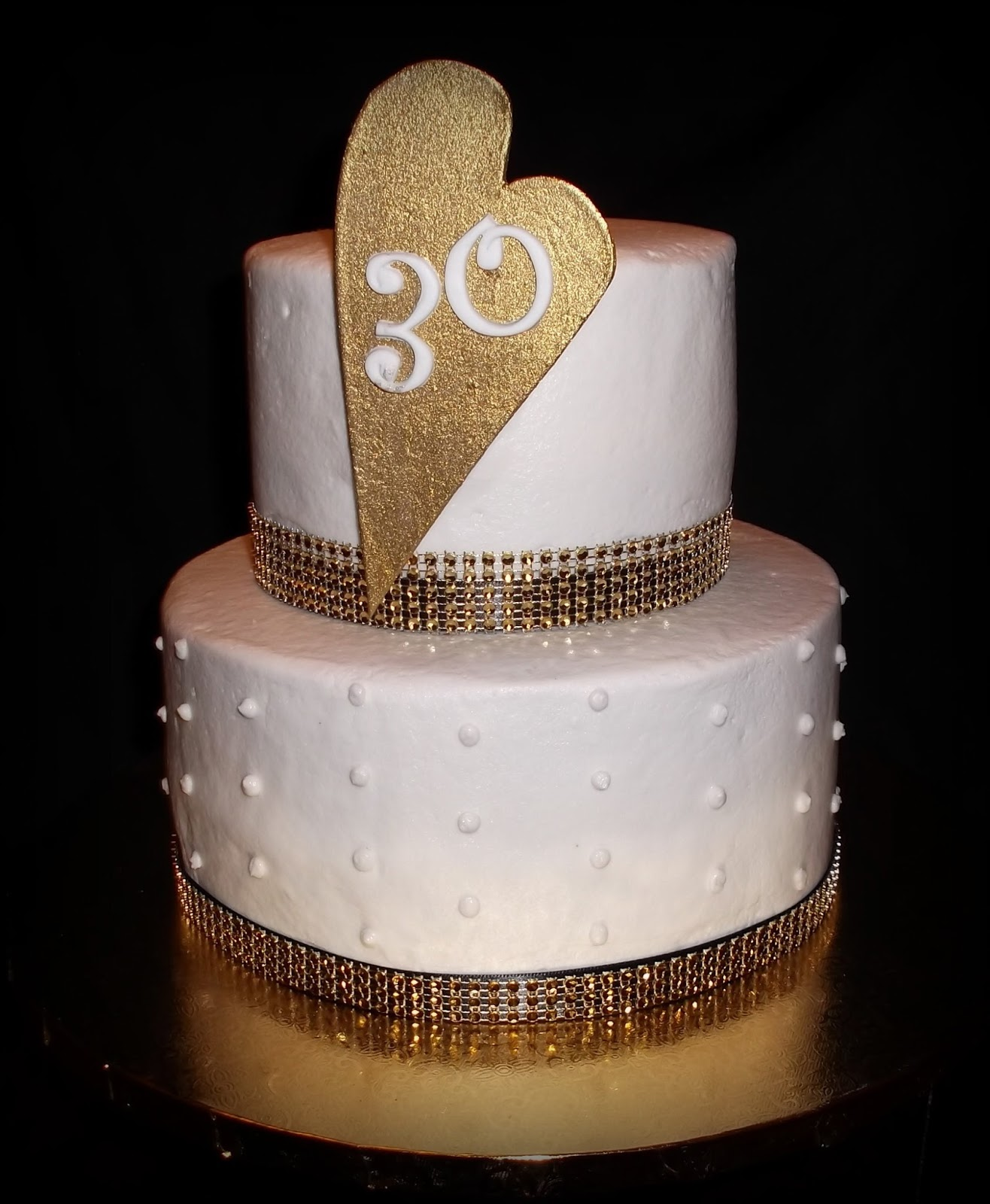 Turning 30 A Husband Surprised His Wife With 30th Birthday Party Featuring This Blinged Out Cake