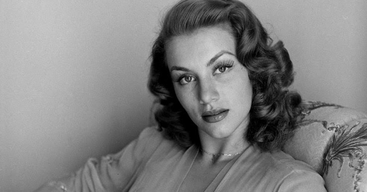 Beautiful Portraits of the First Bond Girl Linda Christian