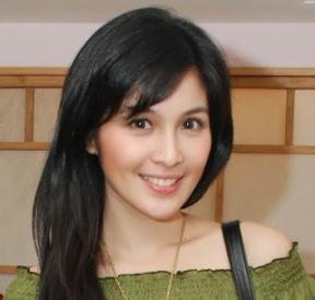 Biodata Sandra Dewi berperan sebagai Dewi Rara Amiati
