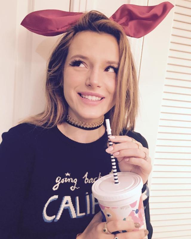 Bella Thorne Wearing Choker Necklace