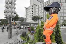 ベルギーの消防士の制服を着た小便小僧