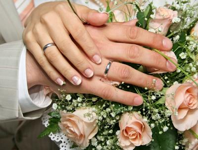 Beginilah Tanda Untuk Mengetahui Perasaan Cinta Suami