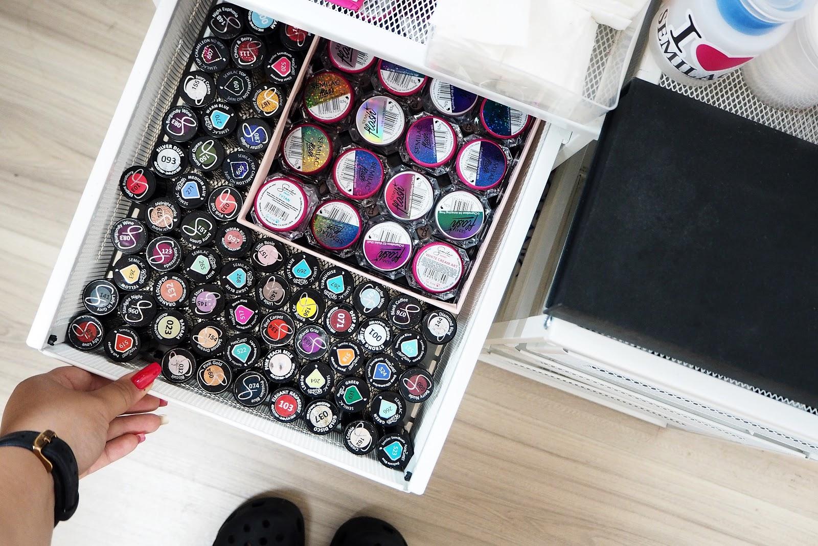 szafki na lakiery