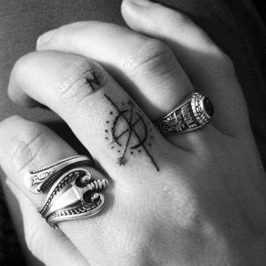 Cute Finger Compass Tattoo