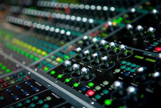 Mengetahui Peralatan  Sound system Lapangan Untuk Konser Besar