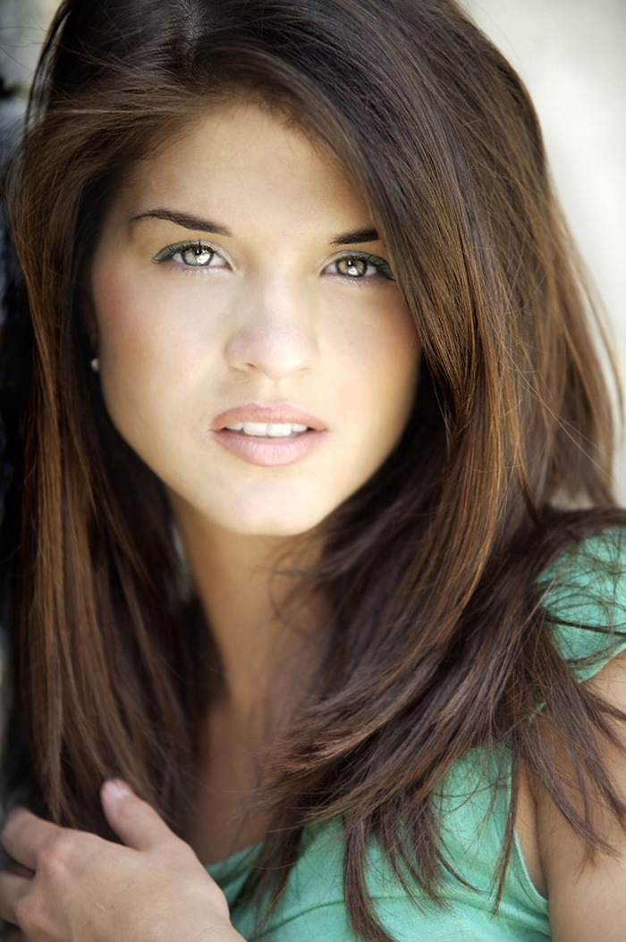 marie avgeropoulos pictures gallery 2 film actresses