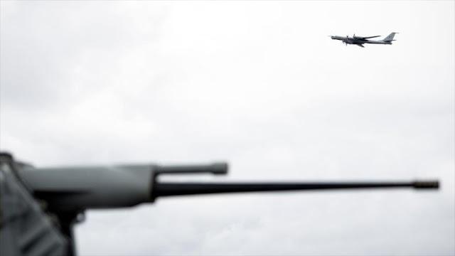 Avión ruso sobrevoló buque insignia de EEUU en maniobras de OTAN