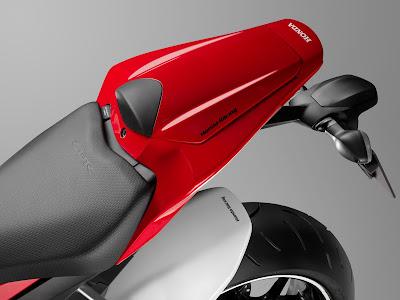 2017 Honda CBR1000RR Fireblade SP seat image