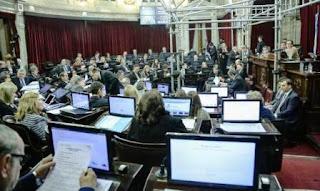 Además, el Senado aprobó un cambio en el Código Penal para introducir la figura de 'flagrancia', con la intención de abreviar procesos penales y lograr una rápida condena.