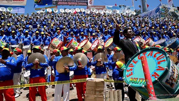 El Festival de Bandas inicia el Carnaval de Oruro 2018