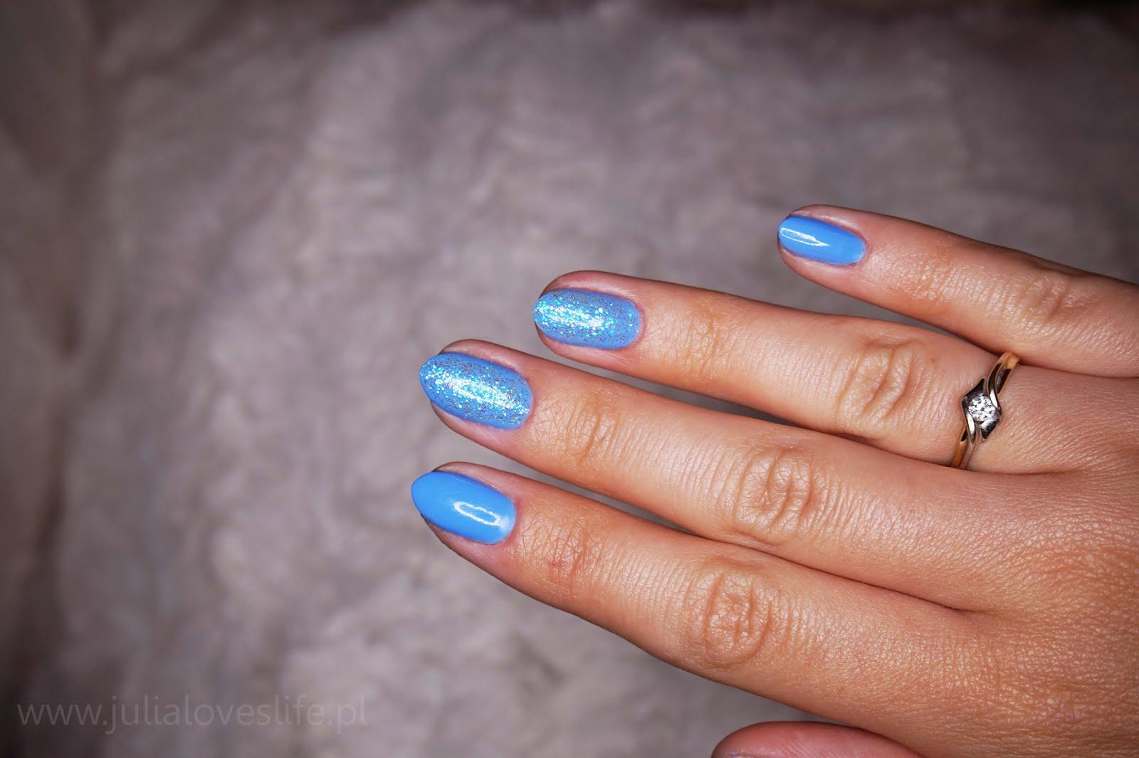 Julialoveslife Wakacyjny Manicure W Kolorze Nieba Efekt Syrenki