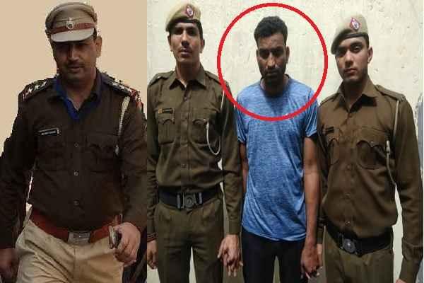 gurugram-police-sector-31-cia-inspector-naveen-arrested-badmash-amjad