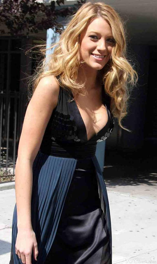 Top 20 Hottest Photos Of Blake Lively
