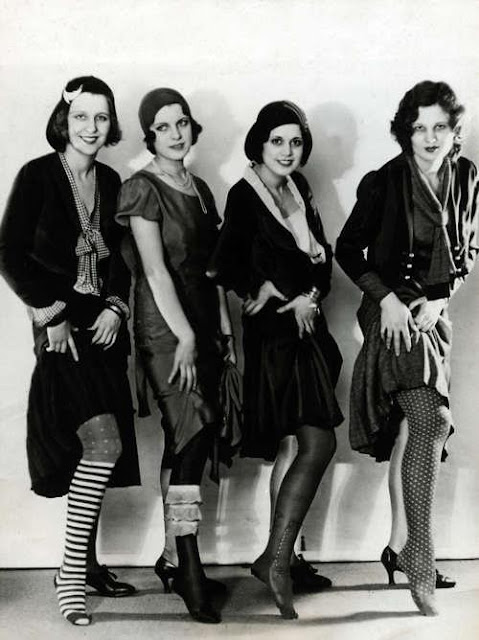 http://vintagedancer.com/1920s/the-various-styles-of-1920s-stockings/