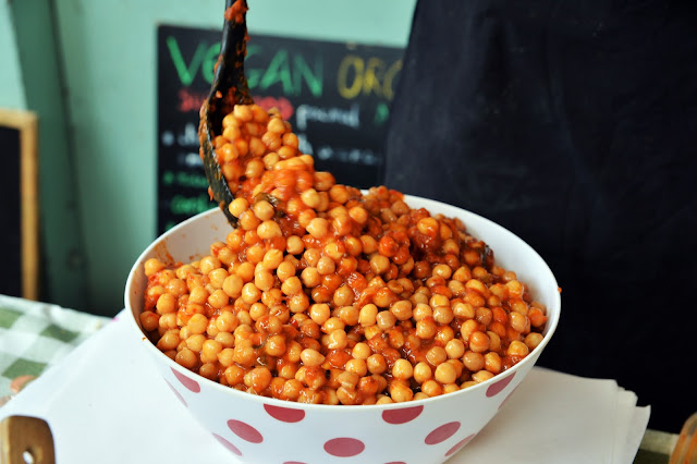 Chickpea Salad with Tomato Sauce and Wakame Seaweed