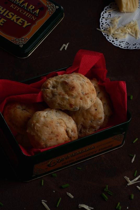 galletas-de-cheddar-y-cebollino