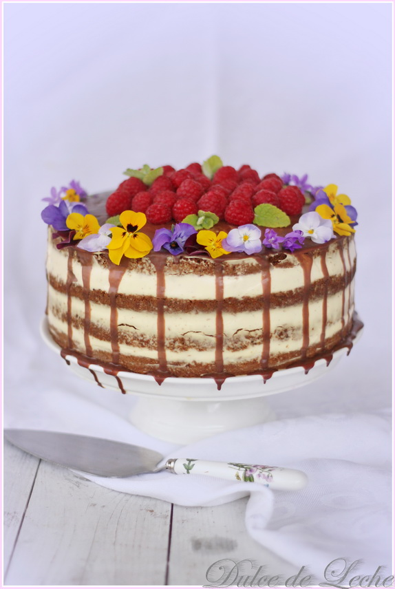 Maková torta s vanilkovým krémom a malinami