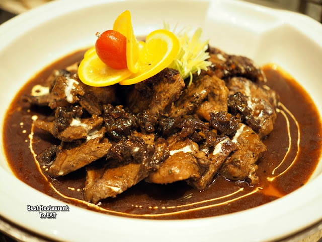 ONE WORLD HOTEL PETALING JAYA - CHRISTMAS Menu - Seared Beef and Oxtail Marmalade with Natural Jus