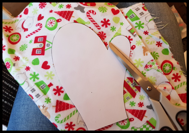 Cutting mitten templates for Christmas decor