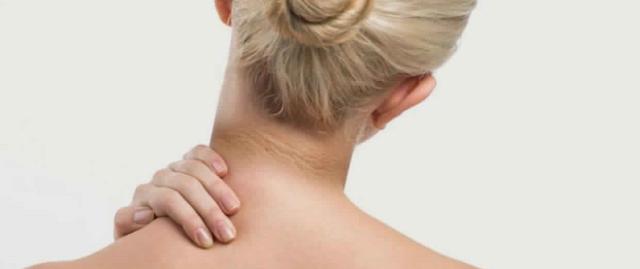 Si vous remarquez qu'un anneau s'est formé autour de votre cou, ruez-vous à l'hôpital !